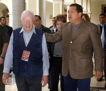 jimmy-carter-hugo-chavez